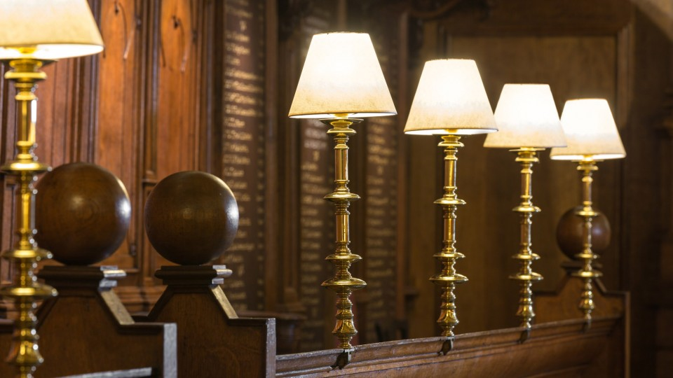 Stalls and lamps